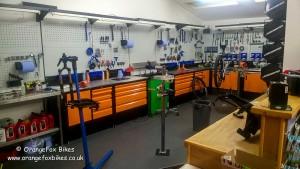 Workshop, bike repair, suspension service